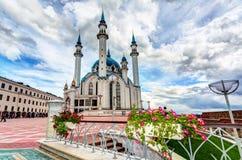 Взгляд на мечети Kul Sharif в Казани Кремле стоковое изображение rf