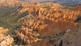 Взгляд на национальном парке каньона Bryce горы песка красном оранжевом Стоковая Фотография