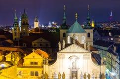 Взгляд на старом городке в Праге на ноче, чехии Стоковые Изображения RF