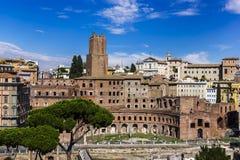 Взгляд на форуме ` s Trajan в Риме стоковые изображения