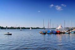 Взгляд на Alster Гамбурга летом 2018 стоковые изображения