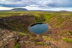 Взгляд на Kerið, вулканическое озеро кратера в Исландии Стоковое Изображение
