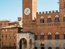 Взгляд на Palazzo Pubblico, Сиене, Италии Стоковое Изображение RF