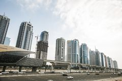 Взгляд небоскребов шейха Zayed Дороги в Дубай, ОАЭ Стоковые Изображения