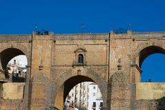 Взгляд нового моста Puente Nuevo и ущелья Tajo de Ronda Tajo Стоковые Фотографии RF