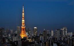 Взгляд ночи башни токио стоковое фото