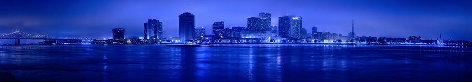 Взгляд ночи горизонта Нового Орлеана Стоковые Изображения RF
