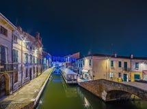 Взгляд ночи города лагуны стоковое фото