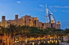 Взгляд ночи гостиницы араба al Burj Стоковая Фотография