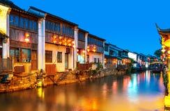 Взгляд ночи древнего города Сучжоу стоковые изображения rf
