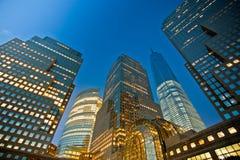 Взгляд ночи зданий стоковые изображения
