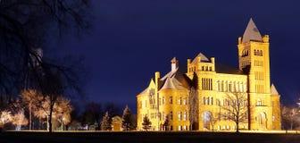 Взгляд ночи известного замка Вестминстера на Вестминстере, Колорадо стоковые изображения rf