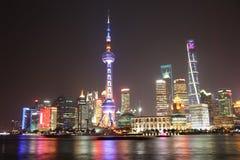 Взгляд ночи Шанхая стоковое изображение rf