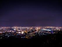 Взгляд ночи Chiangmai от Doy Suthep Стоковые Фотографии RF