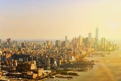 Взгляд Нью-Йорка и Манхаттан от ` s птицы наблюдают взгляд Стоковое фото RF