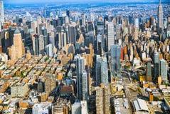 Взгляд Нью-Йорка и Манхаттан от ` s птицы наблюдают взгляд Стоковые Фото