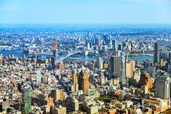 Взгляд Нью-Йорка и Манхаттан от ` s птицы наблюдают взгляд Стоковое Изображение RF