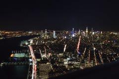 Взгляд Нью-Йорка от верхней части ночью стоковые изображения rf