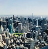 Взгляд Нью-Йорка от Эмпайр-стейт-билдинг стоковая фотография rf