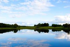 взгляд озера Ирландии стоковое фото rf