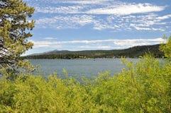 взгляд озера медведя большой стоковые фотографии rf