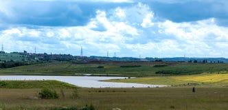 Взгляд озера Waverley, Rotherham, южного Йоркшира, Великобритании Принятый в июне 2019 стоковое фото rf