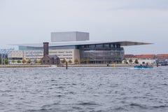 Взгляд оперного театра Копенгагена, Дания стоковые изображения