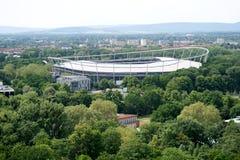 Взгляд от башни гражданской залы на арене и ландшафте hannover Германии стоковое изображение