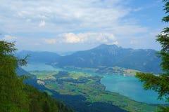 Взгляд от вершины горы вызвал Bleckwand обозревая Wolfgangsee в Австрии, Европе стоковое изображение rf