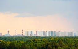 Взгляд от высоты жилого комплекса нового Okhta, деревни Murino, Санкт-Петербурга стоковая фотография rf