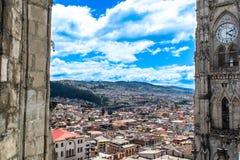 Взгляд от высот части города Кито, эквадора стоковые фото