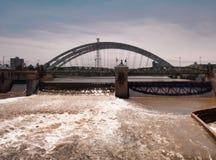 Взгляд от моста улицы суда стоковая фотография rf
