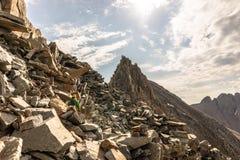 Взгляд от на Mt Уилсон после завершать траверзу Уилсона горы colorado утесистые стоковое фото rf