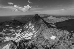 Взгляд от на Mt Уилсон после завершать траверзу Уилсона горы colorado утесистые стоковые изображения rf