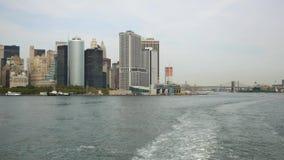 Взгляд от парома острова Staten к Манхэттену сток-видео