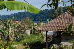 Взгляд от сельской местности к озеру Buyan bali Индонесия стоковые фото
