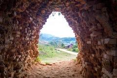 Взгляд от тоннеля кирпича Стоковые Фотографии RF