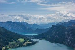 Взгляд от утеса Drachenwand на Mondsee и Attersee Через ferrata в зоне Halstatt, Австрия Стоковые Изображения RF