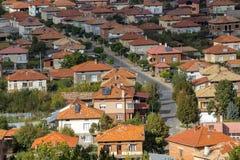 Взгляд от холма к деревне Rhodope Hadjidimovo, Болгарии стоковые изображения rf