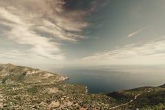 Взгляд от холмов в Греции стоковые изображения
