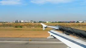 Взгляд от ariiving самолета видеоматериал