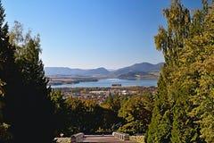 Взгляд от Haj-Nicovo к части Liptovsky Mikulas и известной запруды Liptovska Mara стоковое фото rf