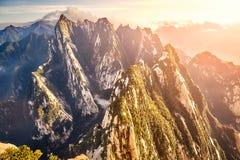 Взгляд от Mount Hua, верхнего назначения перемещения в Китае стоковые изображения