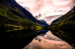 Взгляд панорамы к озеру около Skogmo, Nord-Trondelag Eidsvatnet, Норвегии Стоковые Изображения RF