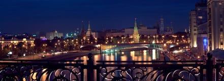 взгляд панорамы ночи kremlin Стоковые Изображения RF