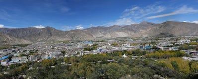 взгляд панорамы lhasa города Стоковая Фотография RF