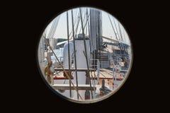 Взгляд парусника от окна двери кабины капитана Стоковое Изображение