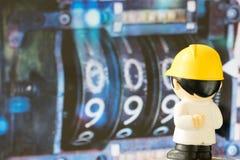 Взгляд персонажей из мультфильма инженерства на номерах стоковая фотография rf