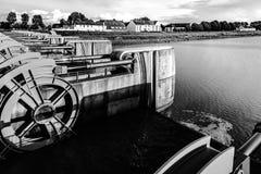 Взгляд перспективы затвора у шлюза воды, Mont Свят-Мишель Стоковое Изображение