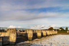 Взгляд перспективы затвора у шлюза воды, Mont Свят-Мишель Стоковые Изображения RF